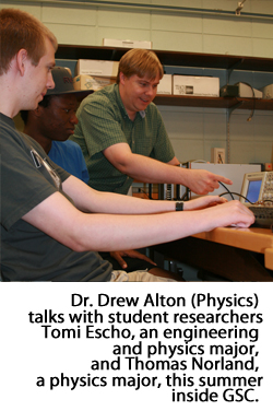 Dr. Drew Alton and student researchers Tomi Escho and Thomas Norland