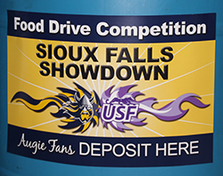 Sioux Falls Showdown food drive