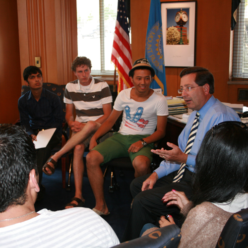 International students visit with Sioux Falls Mayor Mike Huether