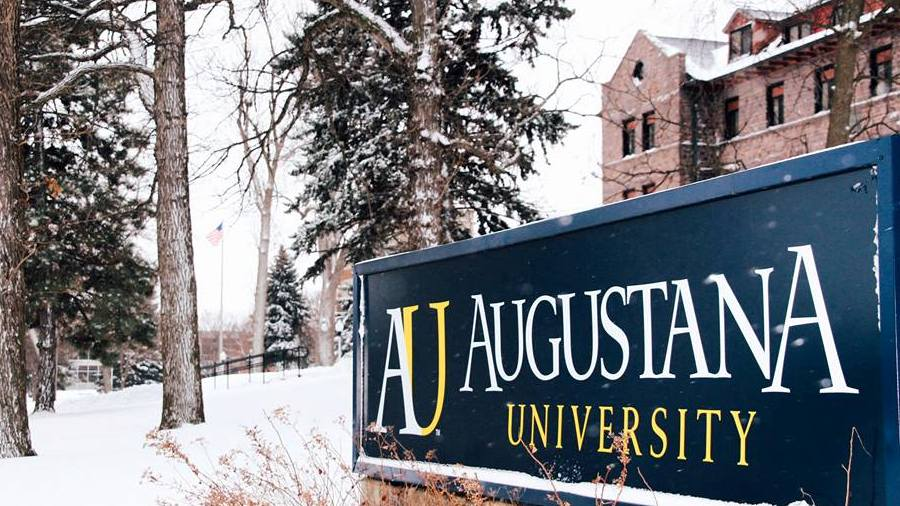 Snowy day at Augustana